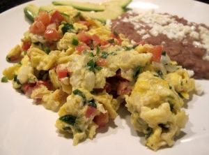 Huevos Revueltos a la Mexicana